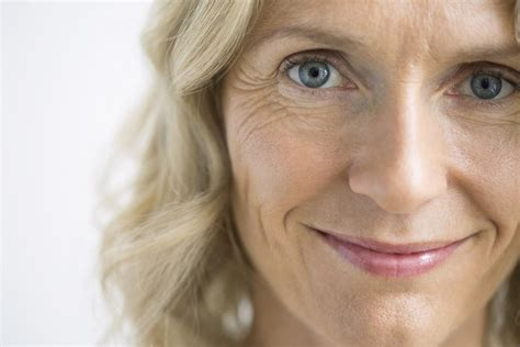How to Use Retin-A to Treat Fine Lines and Wrinkles