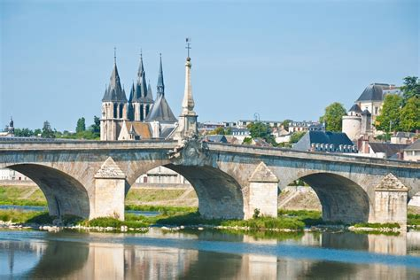 Loire Chateaux Cycling Holiday | Self Guided Cycle Tour ...