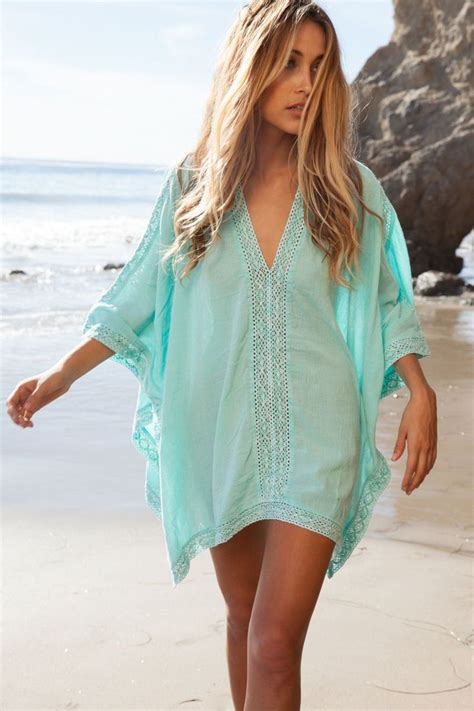 Best 25 Woman Beach Ideas On Pinterest Flowy Beach