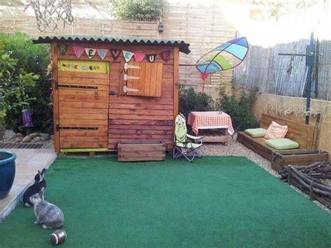 cabane pour enfants en palettes construction pour jardin