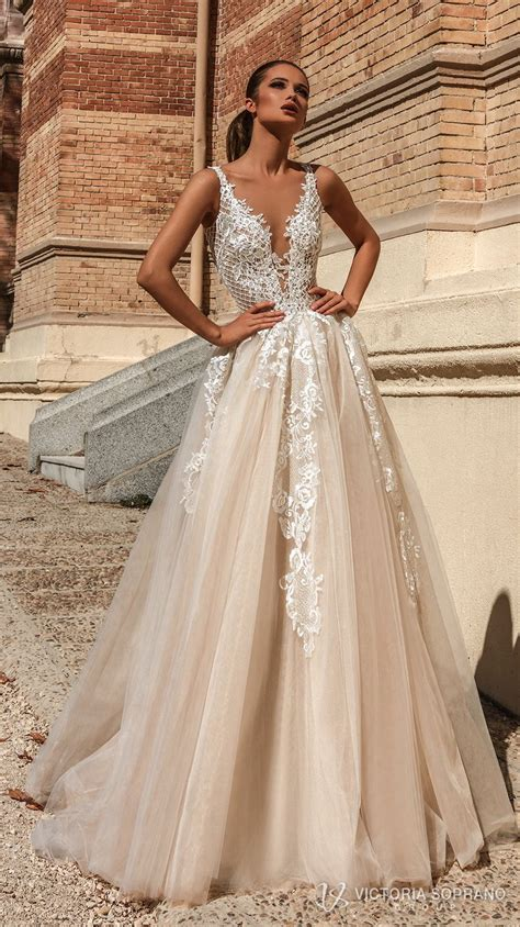 e40ed8aa8fa v neck wedding dress - Ecosia