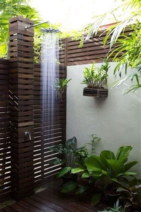 Outdoor Pool Bathroom Ideas Best 25 Outdoor Showers Ideas On Pinterest Pool Shower