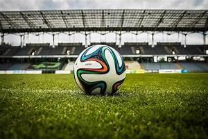 Kindergeburtstag Fußball Spiele : bundesliga wo l uft wann welches fu ball spiel und was kostet es ~ Eleganceandgraceweddings.com Haus und Dekorationen