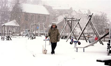 winter 2015 heavy snow forecast for uk range weather shock weather news express co uk