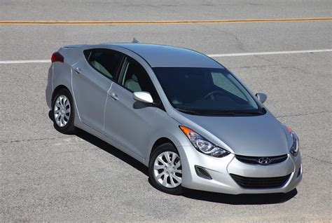 2011 Hyundai Elantra Reviews by 2011 Hyundai Elantra Review Hyundai Elantra Test Drive