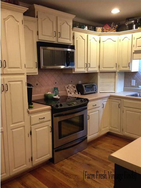 annie sloan chalk paint kitchen cabinets painted kitchen cabinets with annie sloan chalk paint