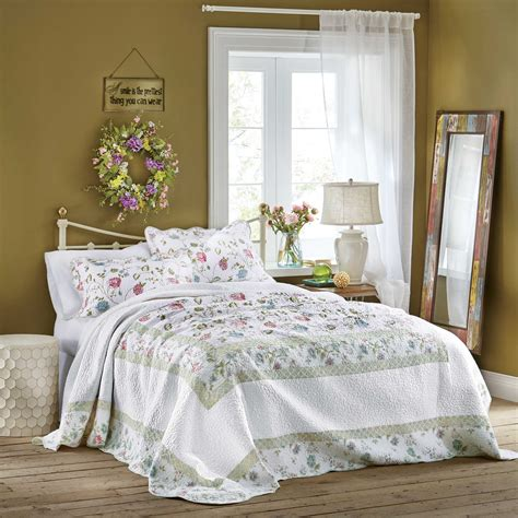 35059 country bedroom ideas cottage style bedroom decorating ideas