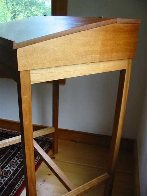 desks furniture  writing  standing sitting