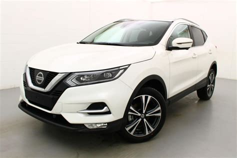 The nissan qashqai (/ˈkæʃkaɪ/) is a compact crossover suv produced by the japanese car manufacturer nissan since 2006. Nissan Qashqai n-connecta dig-t xtronic 115 2WD te koop ...