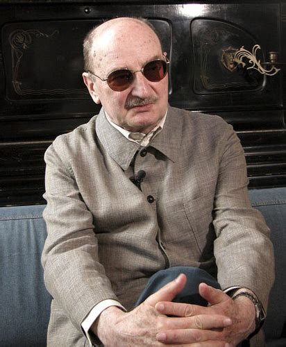 Sławomir mrożek, (born june 29, 1930, borzęcin, poland—died august 15, 2013, nice, france), polish playwright and satirist noted for his subtle parody and stylized language. Sławomir Mrożek w Polsce   Wydarzenie   Culture.pl