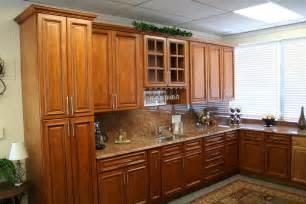 maple kitchen islands best maple kitchen cabinets ideas 6633 baytownkitchen