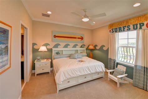chambre theme espace déco chambre enfant avec planche de surf 50 inspirations