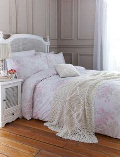 shabby chic bed throws vintage throws on pinterest soft pastels crochet blankets and afghans