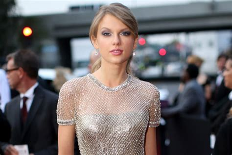 Taylor Swift: 'I'm a lot of things. Overtly sexy is not ...