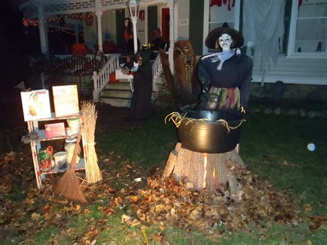 Outdoor Decorations Ideas 2015 by Spooky Outdoor Decorations For The