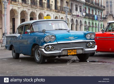 amerikanische oldtimer kaufen amerikanische oldtimer oder fahrzeuge aus den 1920er und 1930er jahren in havanna kuba stockfoto