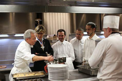 groupe de cuisine le groupe barrière propose des formations rémunérées de commis de cuisine