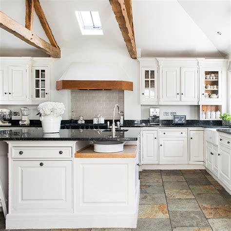 kitchen flooring ideas  give  scheme