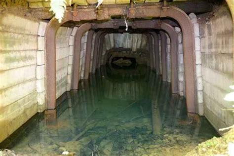 prakovce so stroj 225 rskym priemyslom mali aj rudn 233 bane