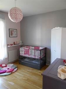 salon gris et rose pale With chambre bébé design avec pot de fleur gris design