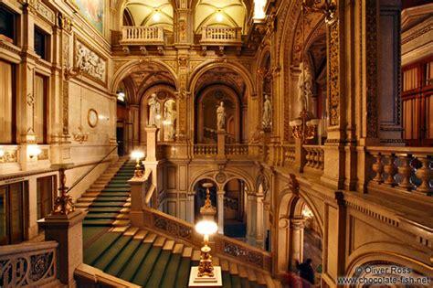 Vienna-Staatsoper-staircase-5952