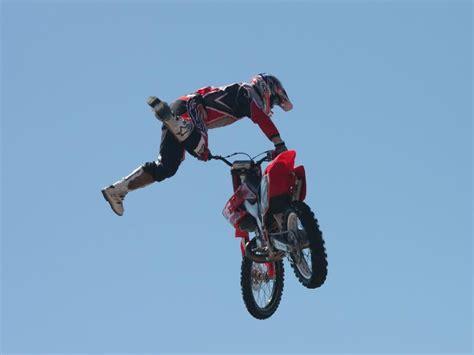 motocross stunts freestyle stunts wallpapers wallpapersafari