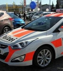 Mettre Sa Voiture En Location : en suisse il est possible de louer une voiture de police pour se prot ger contre les cambriolages ~ Medecine-chirurgie-esthetiques.com Avis de Voitures