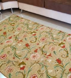 Floral Pattern Carpet by Oona Carpet Hand Woven Woolen Carpet Rugs Dhurrie Floral