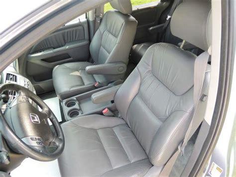 sell   honda odyssey    leather heated seats