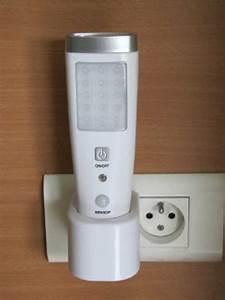 Lampe Détecteur De Mouvement Intérieur : lampe torche d tecteur de passage torche led ~ Dailycaller-alerts.com Idées de Décoration