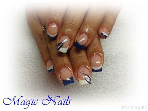 blaue naegel bilder mit nailart