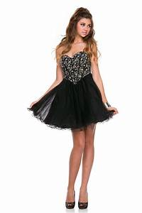 30 Lovely Black Short Prom Dresses for this Year - MagMent