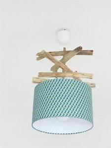 Plafonnier En Bois : lustre suspension plafonnier en bois flott cr ation unique motif plumes paon ~ Teatrodelosmanantiales.com Idées de Décoration