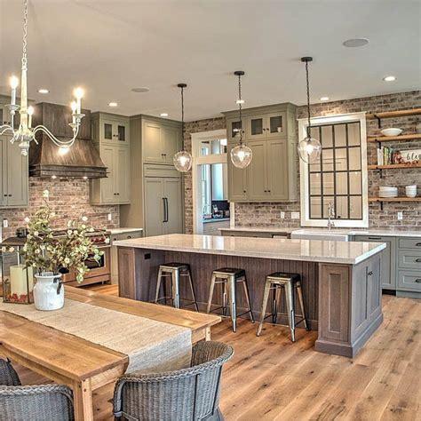 34 farmhouse kitchen ideas for the perfect rustic vibe. Pretty Kitchen Wall Decor Ideas to Stir Up Your Blank Walls | Farmhouse style kitchen, Modern ...