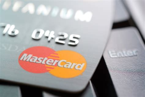MasterCard Shows Wearables Payments At PGA Tour   PYMNTS.com