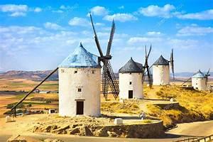 Molinos De Don Quijote En Consuegra  Castilla La Mancha  Espa U00f1a  U2014 Foto De Stock  U00a9 Stevanzz  39728733