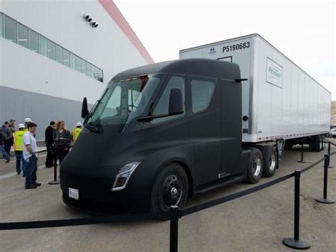 Tesla Semi Begins Production Cargo Runs From Gigafactory 1
