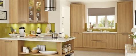 howdens kitchen greenwich shaker light oak