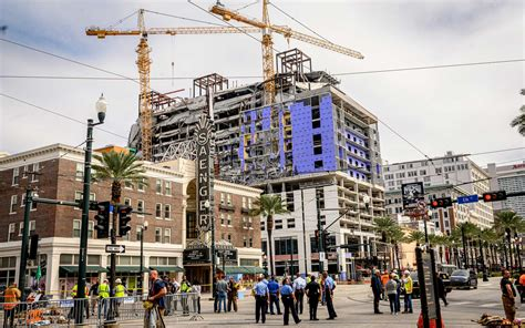 hard rock hotel collapse rescuers  searching