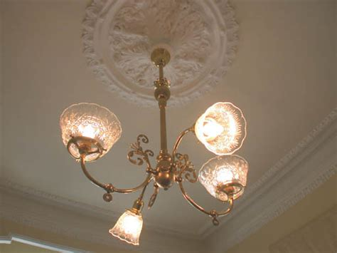 12 period light fixture with ceiling medallion