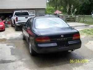 1994 Nissan Altima Gxe Sedan 4