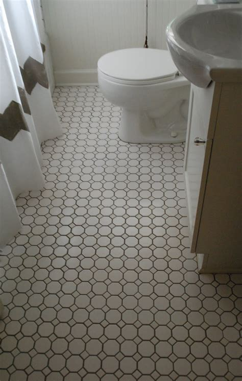 Badezimmer Bodenfliesen by This That Bathroom Floors