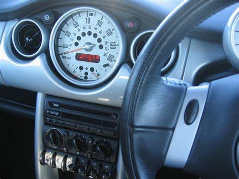 mini cooper chilli dashboard detail supplied  www