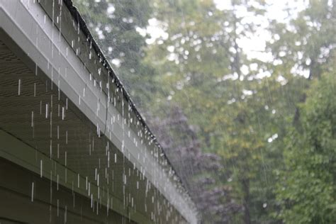 Wet Weather Continues Roof Insurance Claim Red Inn Chicago Il Rubber Membrane Roofing Gable Porch Installing Metal Over Shingles New Design Rv Repair Thule Rack For Sale