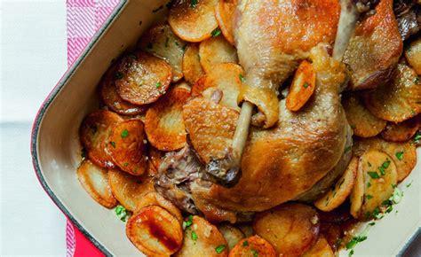 cuisiner cuisse de canard cuisse de canard pommes de terre fondantes les bonnes recettes