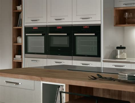 fairford dove grey kitchen shaker kitchens howdens joinery