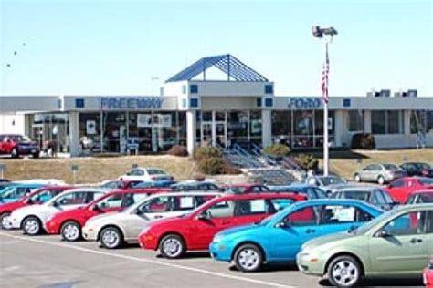 Freeway Ford   MN : Bloomington, MN 55420 4233 Car