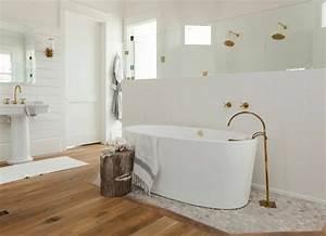parquet salle de bains stratifie en 24 photos inspirantes With parquet pour douche