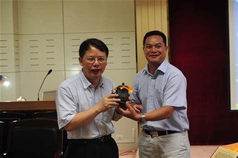 湘雅医院吴安华教授于瑞康医院作《抗菌药物临床应用策略》讲座 - 广西中医药大学