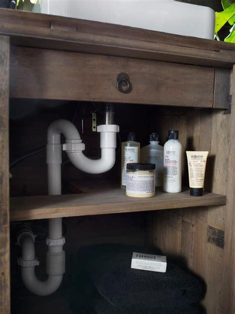 10 tips for repurposing a vanity bathroom design